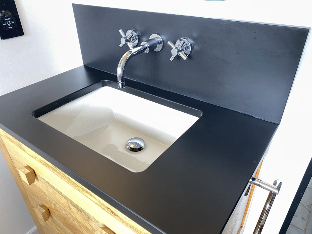2b Removing limescale from slate basin